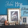 {Adore Him} Mantel